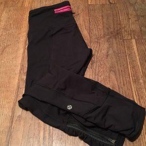 """Lululemon Runday Crop 23"""" pants Luxtreme blk Sz 4"""
